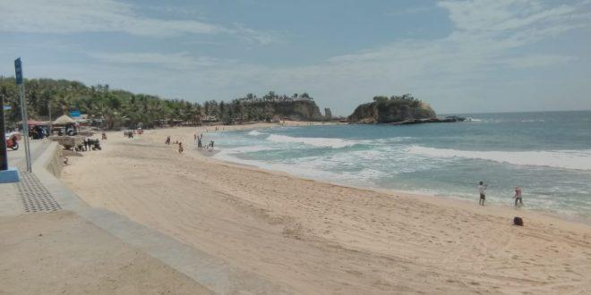 Untuk Gairahkan Kerja, Kader KB Danurejan Tamasya ke Pantai Klayar